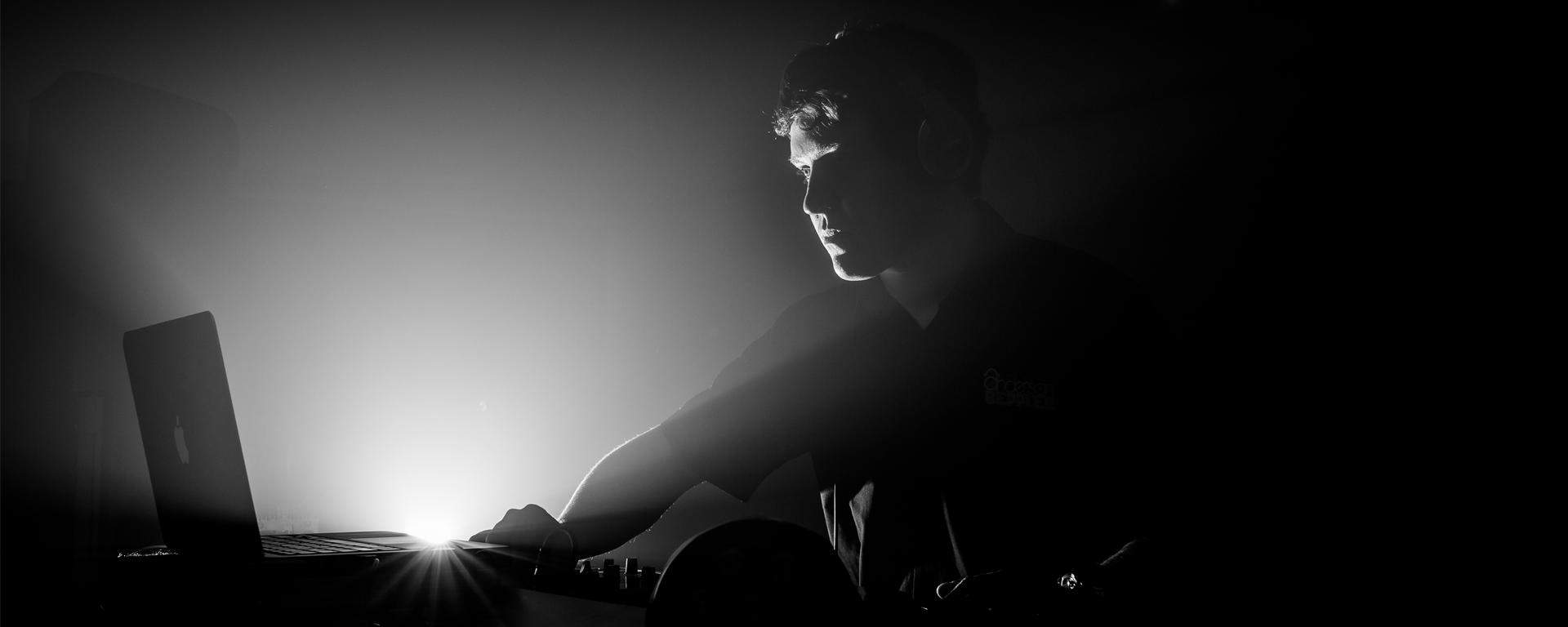 DJ para Casamentos, 15 anos, Formaturas e Eventos Sociais na região de Florianópolis