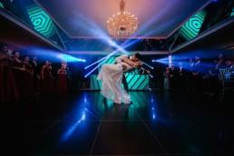 Casamento de Ariza e Gustavo com painel de led 3d